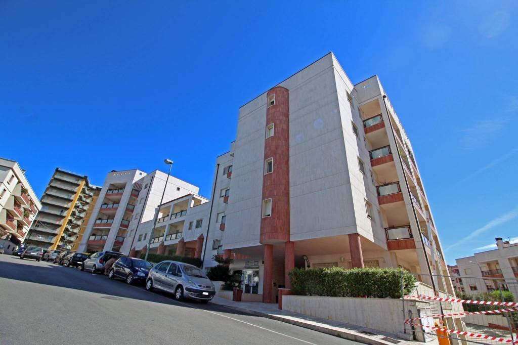Appartamento in ottime condizioni in vendita Rif. 8019215