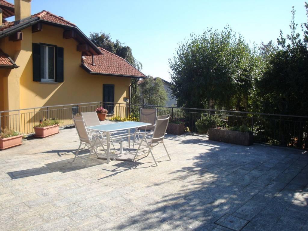 Appartamento in buone condizioni arredato in affitto Rif. 9142539