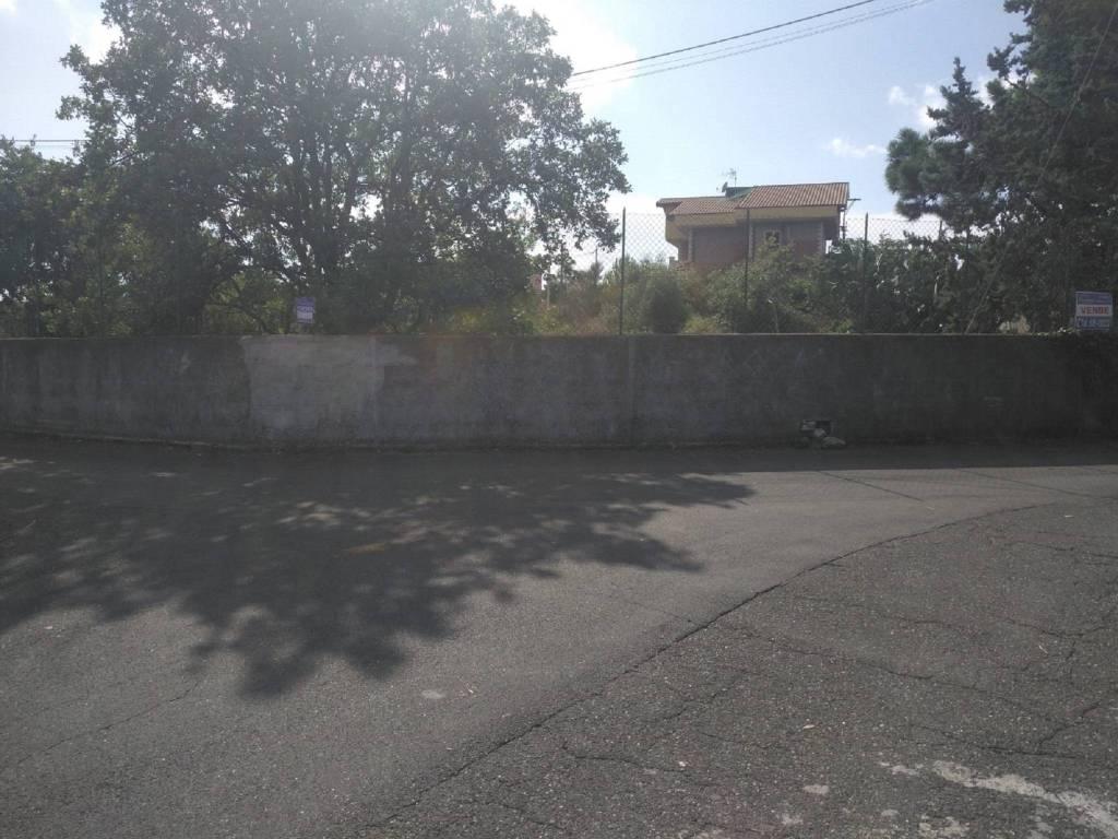 Terreno residenziale in Vendita a Mascalucia Centro: 1370 mq