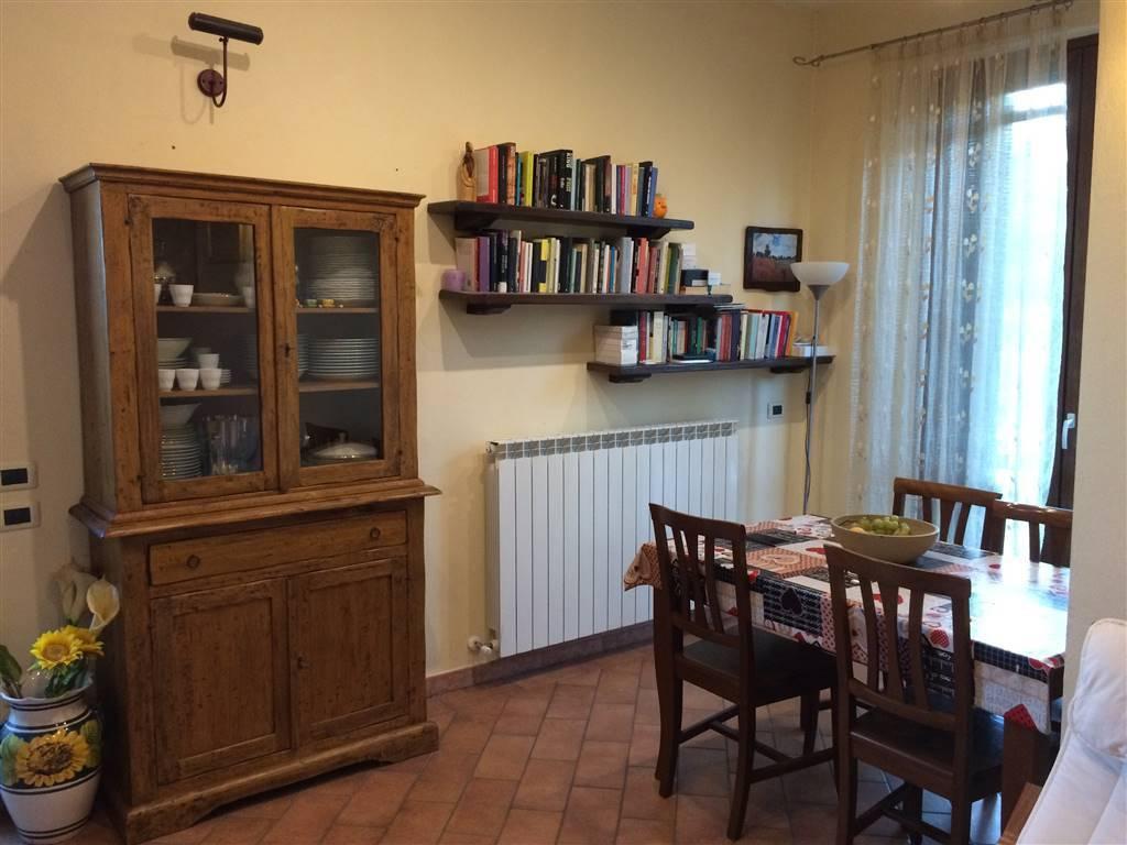Appartamento in buone condizioni in vendita Rif. 8033278
