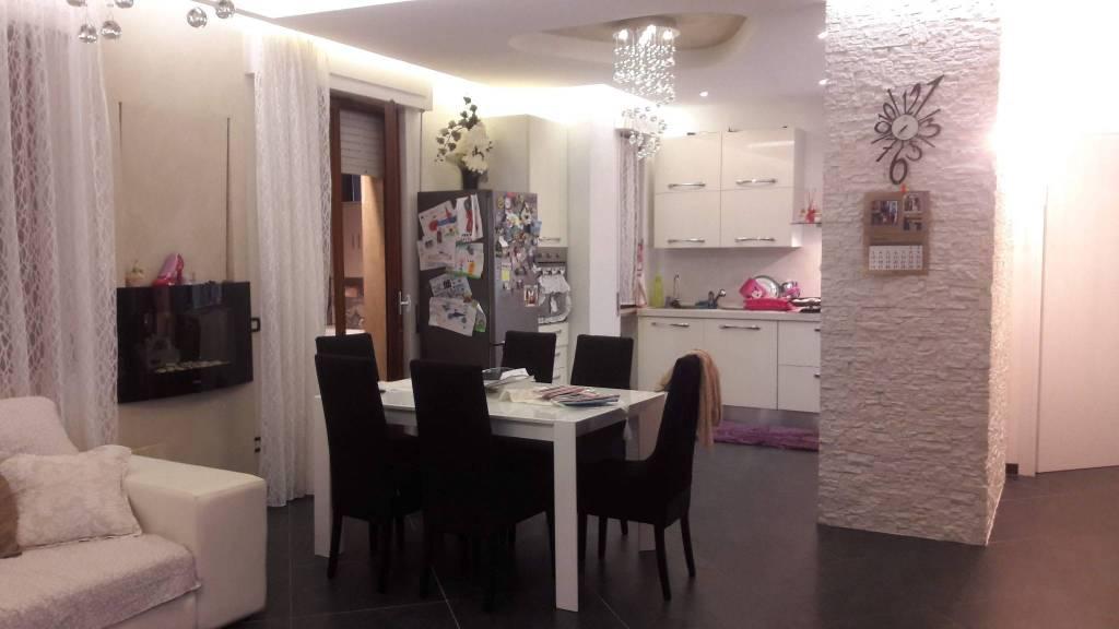 Appartamento in ottime condizioni in vendita Rif. 8020065