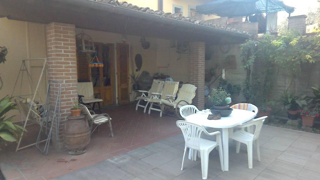 Santa Cristina a Mezzano: vendesi casa patronale angolare
