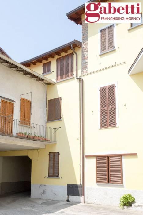 Appartamento in buone condizioni arredato in affitto Rif. 8031660