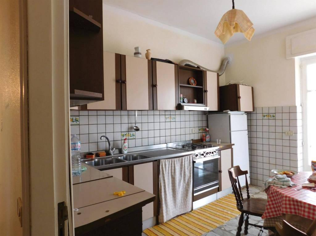 Appartamento in ottime condizioni in vendita Rif. 8032261