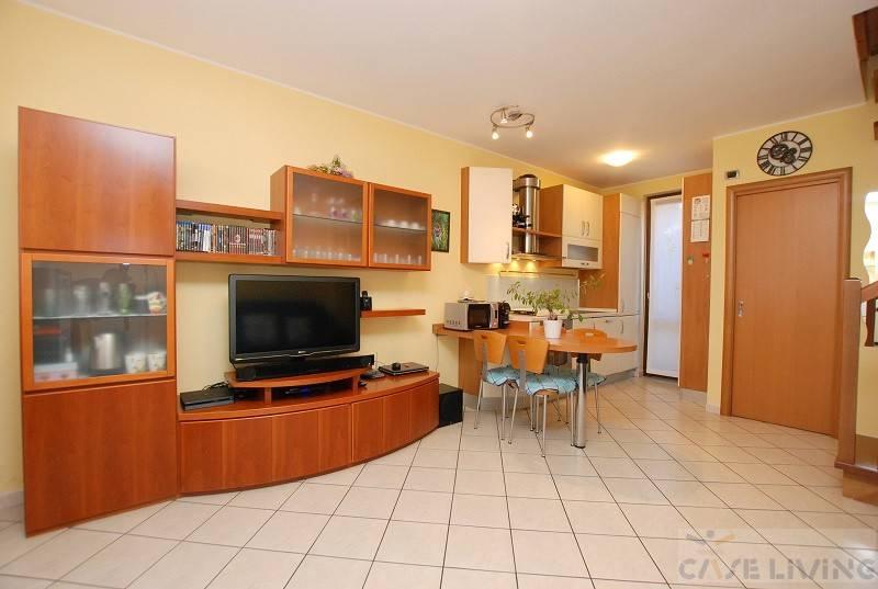 Appartamento in ottime condizioni in vendita Rif. 8030407