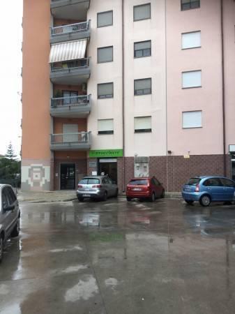 Taranto - Lama, via Sciabelle, attività di parrucchiere