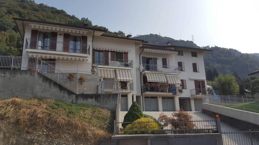 Appartamento parzialmente arredato in vendita Rif. 8029895