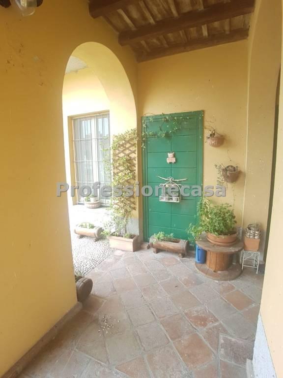 Appartamento in ottime condizioni in vendita Rif. 8031913