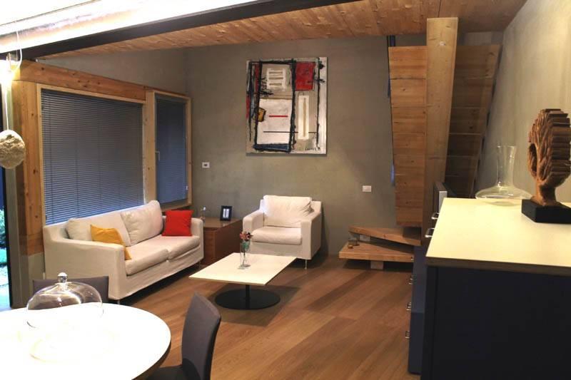 Appartamento in ottime condizioni arredato in affitto Rif. 8029111