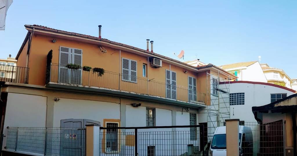 Foto 1 di Villa corso Alla Vittoria, Asti