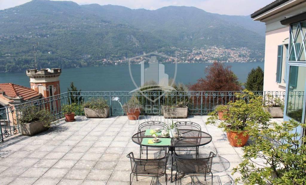 Appartamento in ottime condizioni in vendita Rif. 4581128