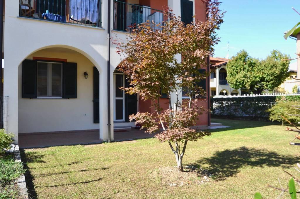 Appartamento in ottime condizioni in vendita Rif. 8037743