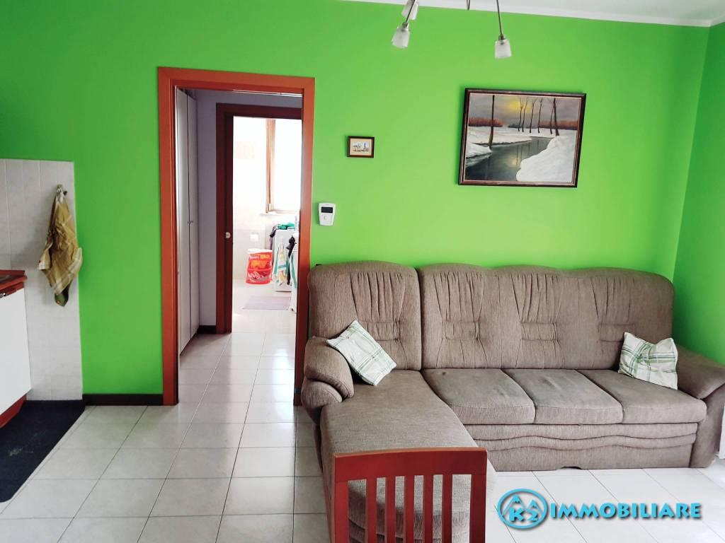 Appartamento in buone condizioni in vendita Rif. 7908714