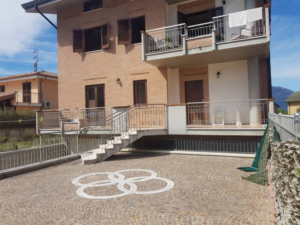 Appartamento in ottime condizioni in vendita Rif. 8029991