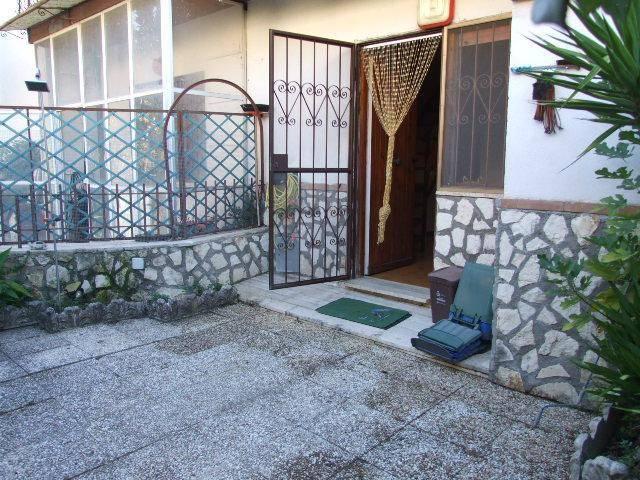 Villa in buone condizioni in vendita Rif. 8029028