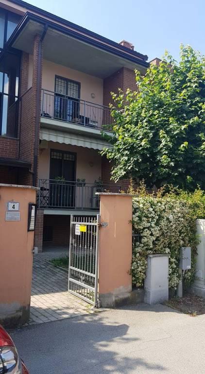 Appartamento in buone condizioni in vendita Rif. 8035577