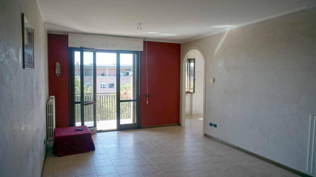Appartamento in vendita a Ghedi, 3 locali, prezzo € 107.000   PortaleAgenzieImmobiliari.it