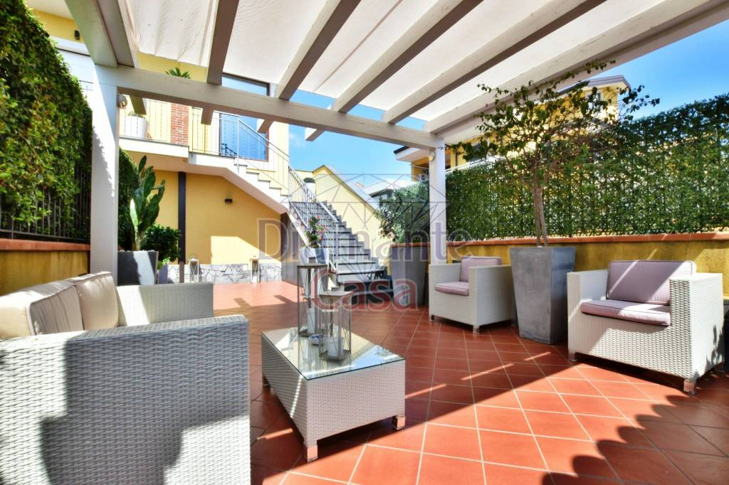 Villa in Vendita a Valverde Centro: 4 locali, 120 mq