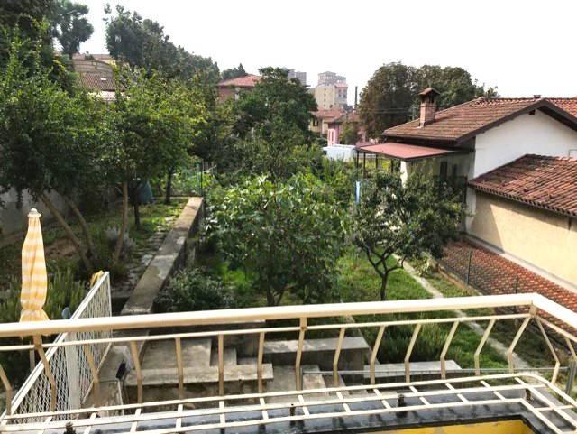 Appartamento in ottime condizioni parzialmente arredato in vendita Rif. 8198911