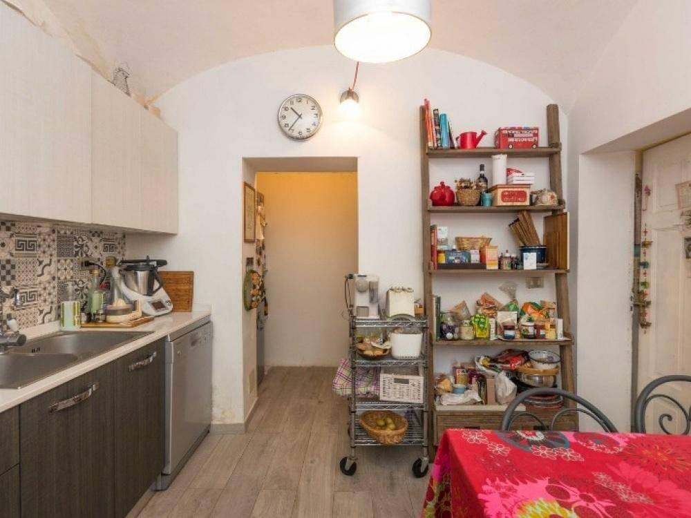 Appartamento in ottime condizioni in vendita Rif. 8033970