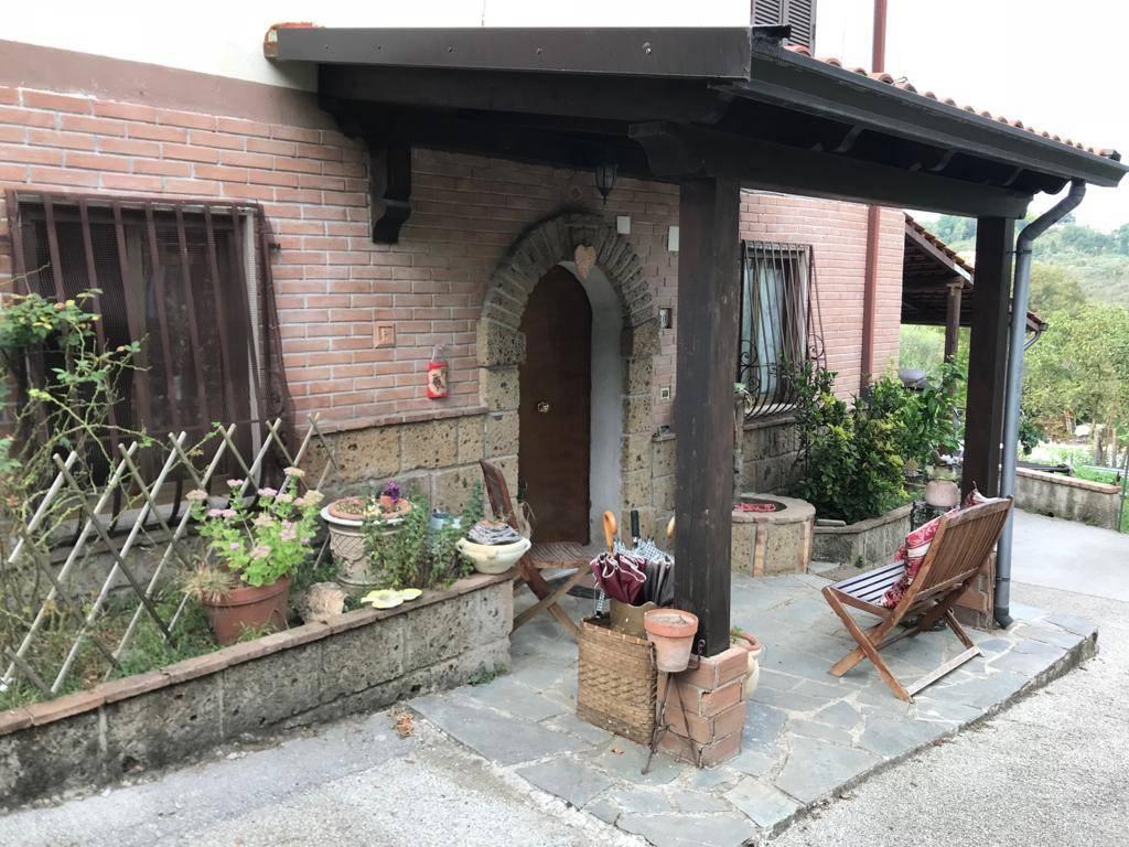 Villa in buone condizioni in vendita Rif. 8911046