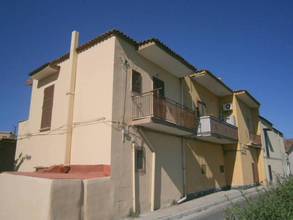 Appartamento in buone condizioni in affitto Rif. 7889905