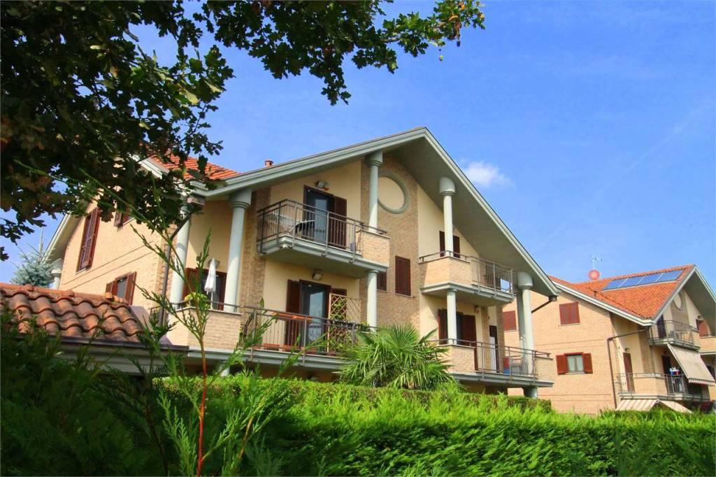 Appartamento in ottime condizioni in vendita Rif. 8032384