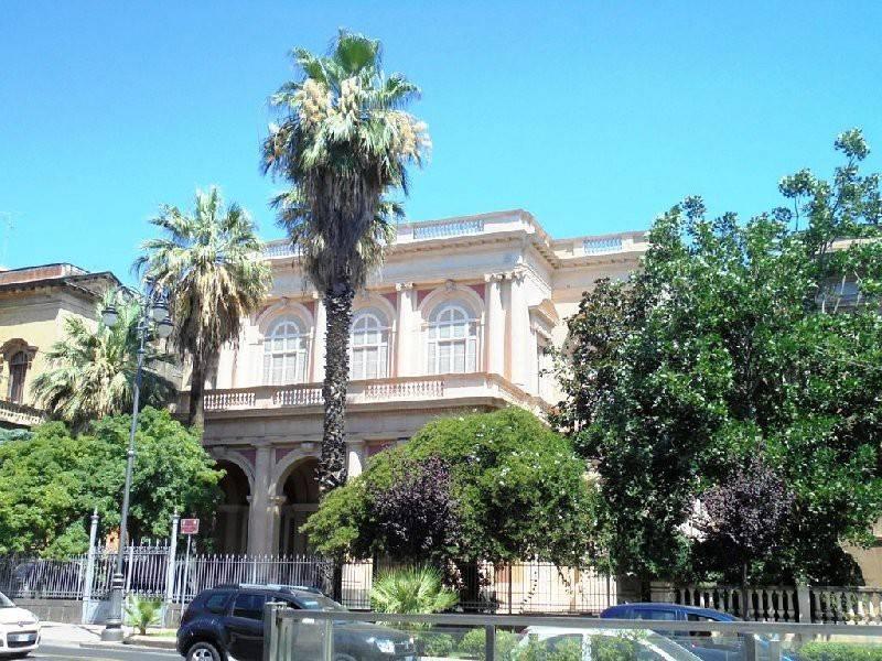 Appartamento in Vendita a Catania: 5 locali, 220 mq