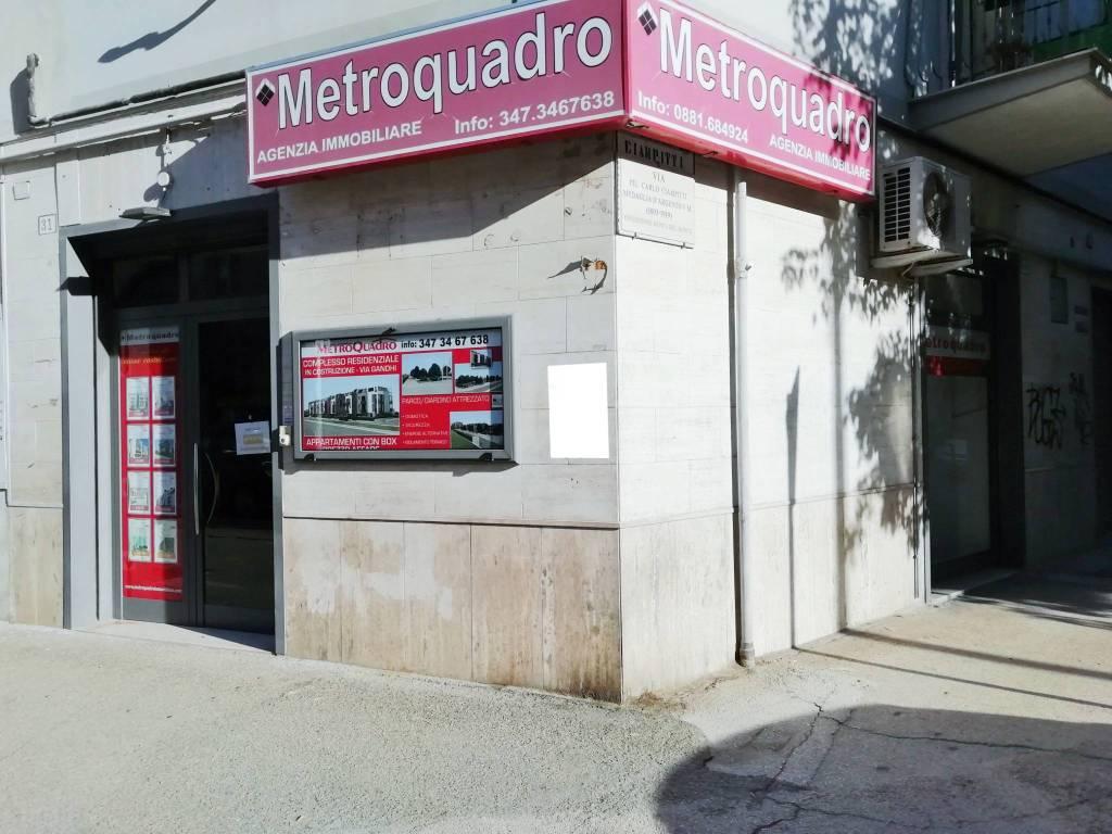Locale commerciale 30 mq. in Viale Colombo