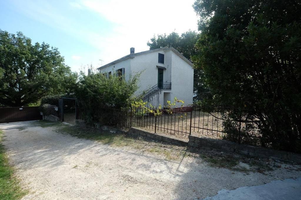 Villa in buone condizioni in vendita Rif. 5720700