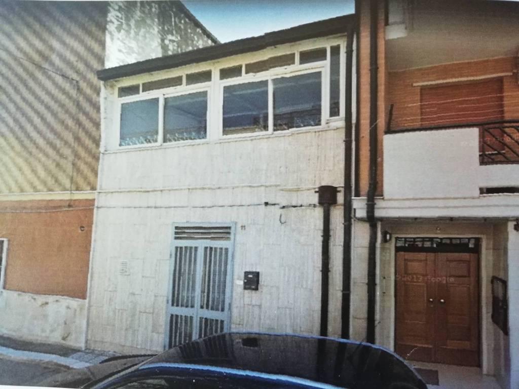 Casa Indipendente da ristrutturare in vendita Rif. 8031934