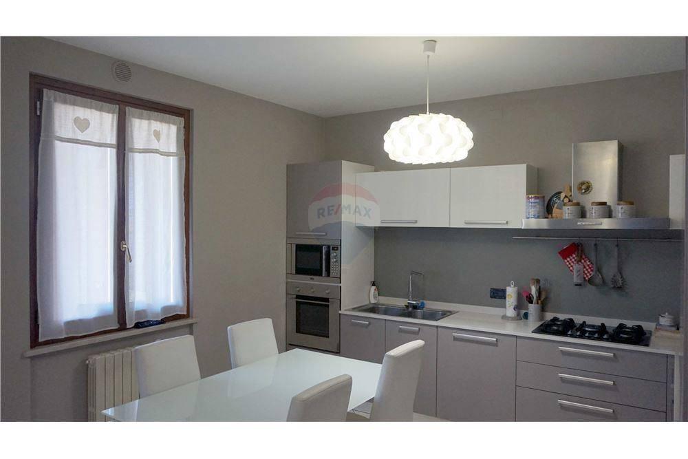 Appartamento in vendita a Bagnolo Mella, 3 locali, prezzo € 135.000 | CambioCasa.it