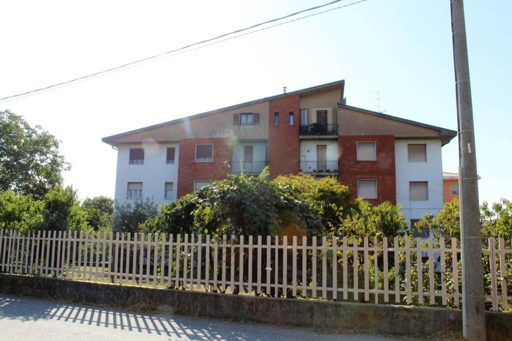 Appartamento da ristrutturare in vendita Rif. 8029618