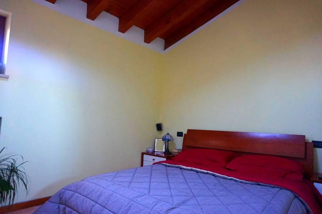 Appartamento in buone condizioni arredato in affitto Rif. 8037272