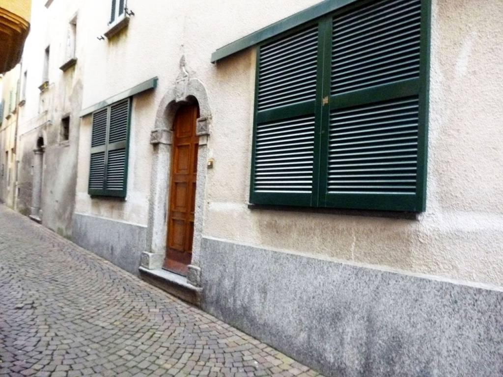 Soluzione Indipendente in vendita a Schignano, 7 locali, prezzo € 139.000 | PortaleAgenzieImmobiliari.it