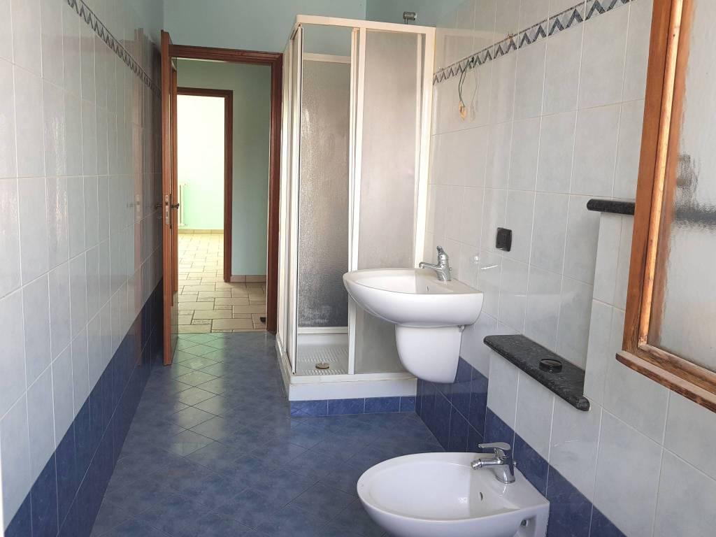 Appartamento in ottime condizioni in vendita Rif. 8033279