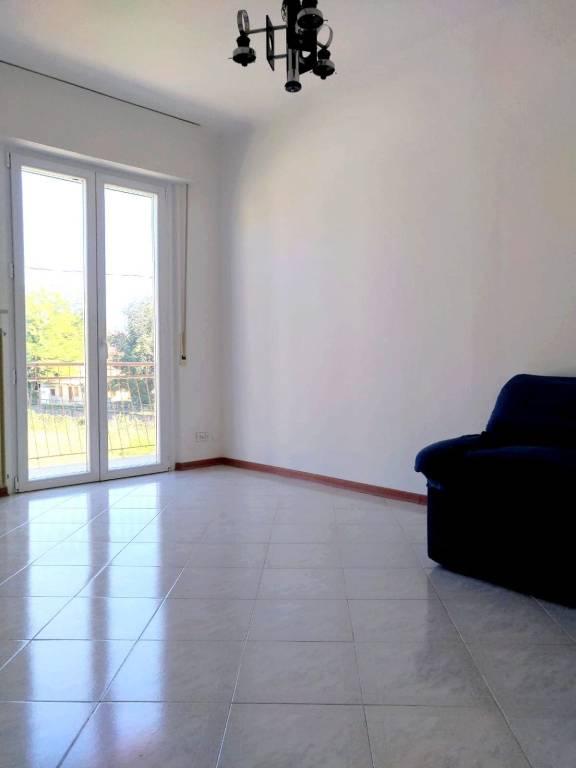 Appartamento in buone condizioni parzialmente arredato in vendita Rif. 8038153