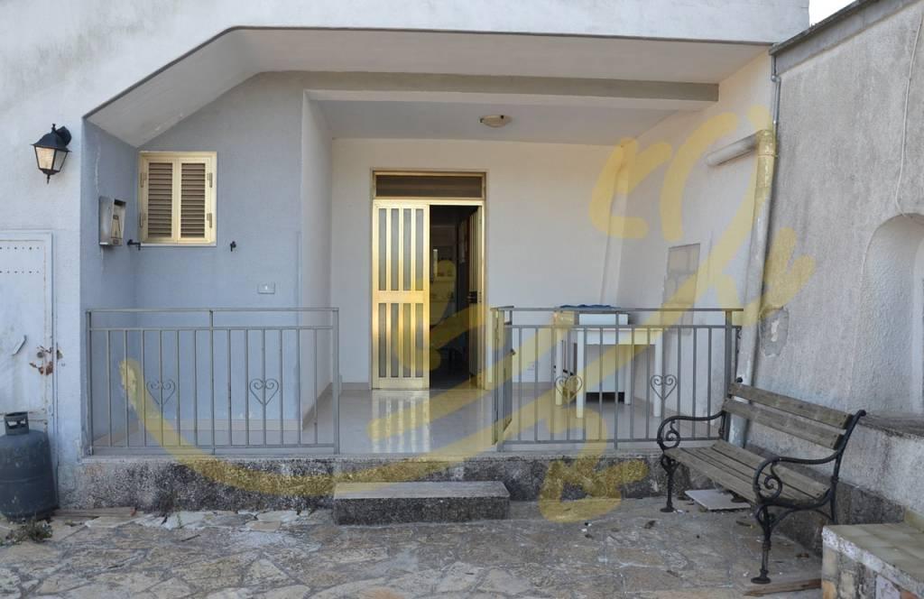 Villa quadrilocale in vendita a Fasano (BR)