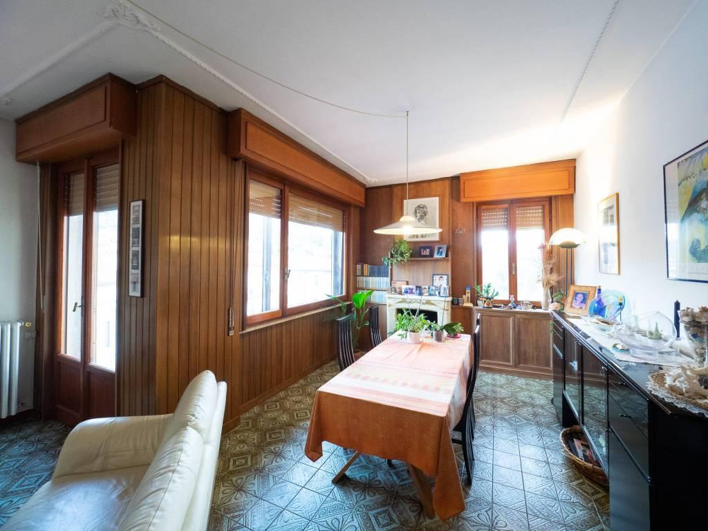 Appartamento 5 vani con terrazza abitabile a San Francesco