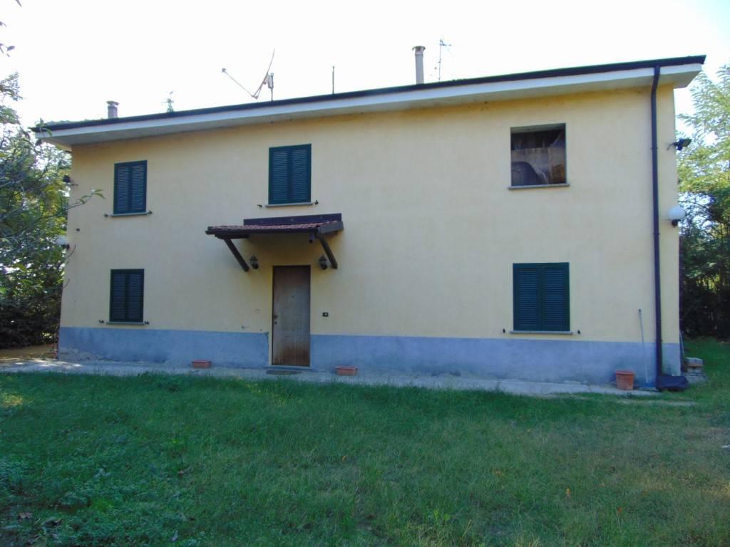 Rustico / Casale in vendita a Incisa Scapaccino, 5 locali, prezzo € 125.000 | CambioCasa.it