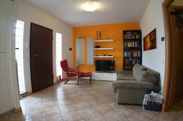 Appartamento in ottime condizioni in vendita Rif. 8031470