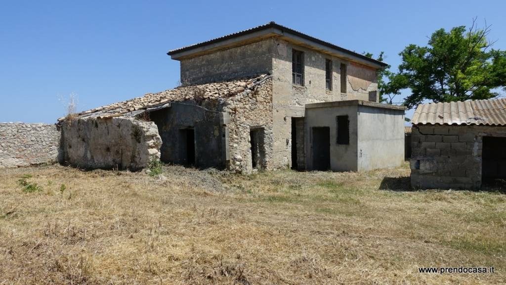 Rustico / Casale in vendita Rif. 8029344