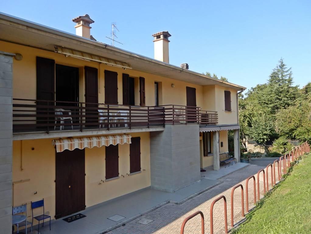 Appartamento in ottime condizioni arredato in vendita Rif. 8035121