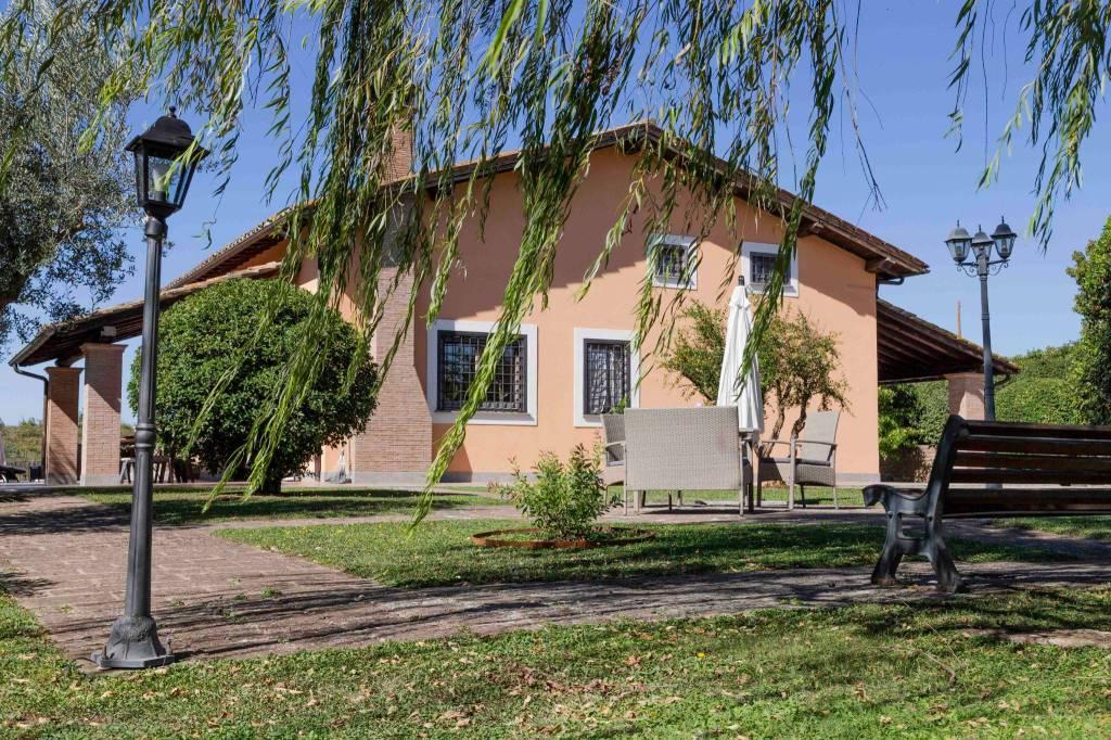Villa arredato in vendita Rif. 7483247