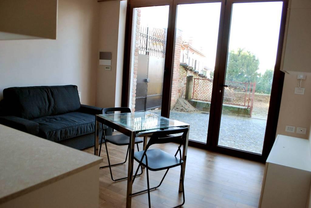 Appartamento in ottime condizioni arredato in affitto Rif. 8047383