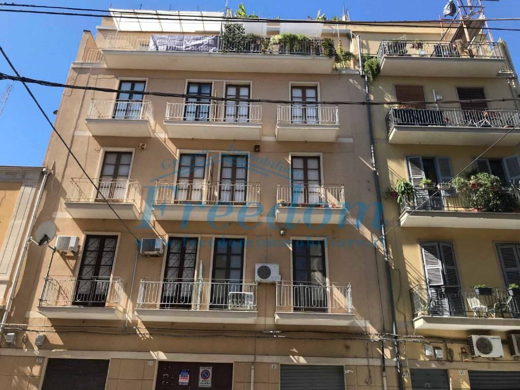 Appartamento in Vendita a Catania Centro: 4 locali, 130 mq