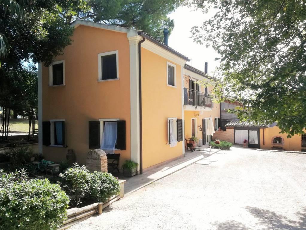 Rustico 5 locali in vendita a Monsano (AN)