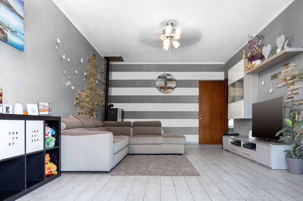 CARMIGNANO, casa indipendente, al prezzo di un appartamento