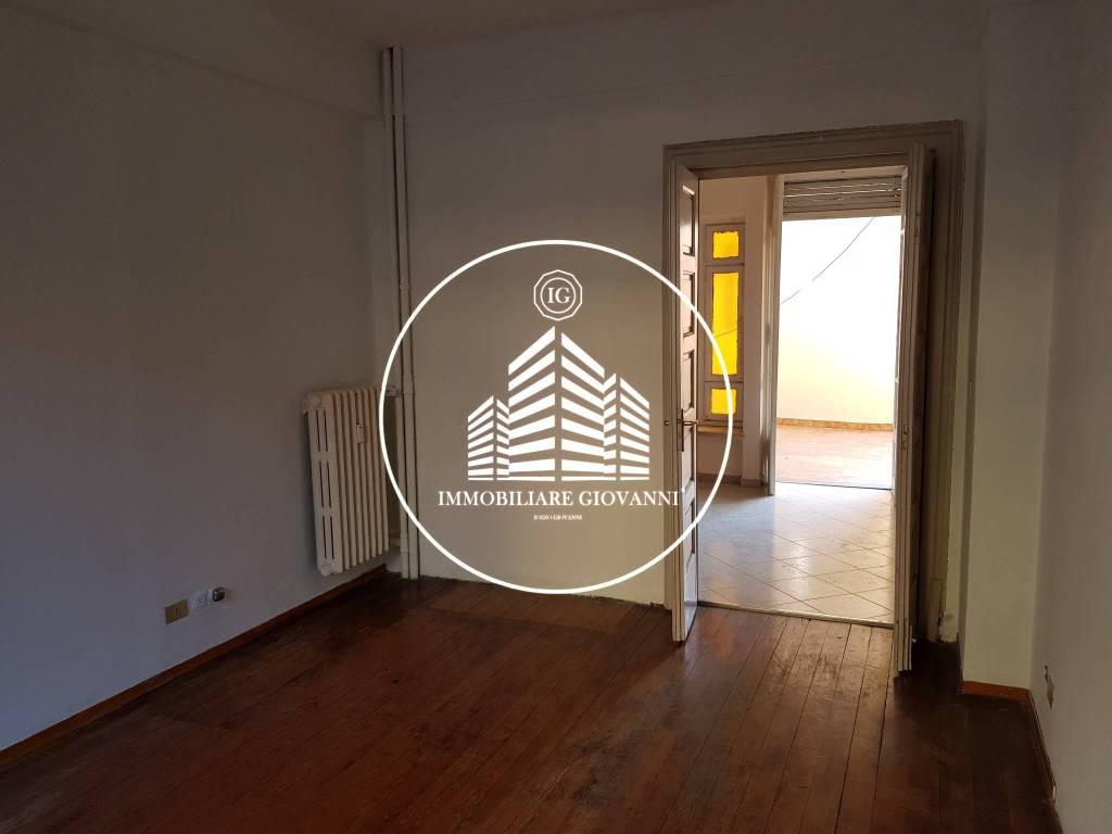 Appartamento in ottime condizioni in affitto Rif. 8048102