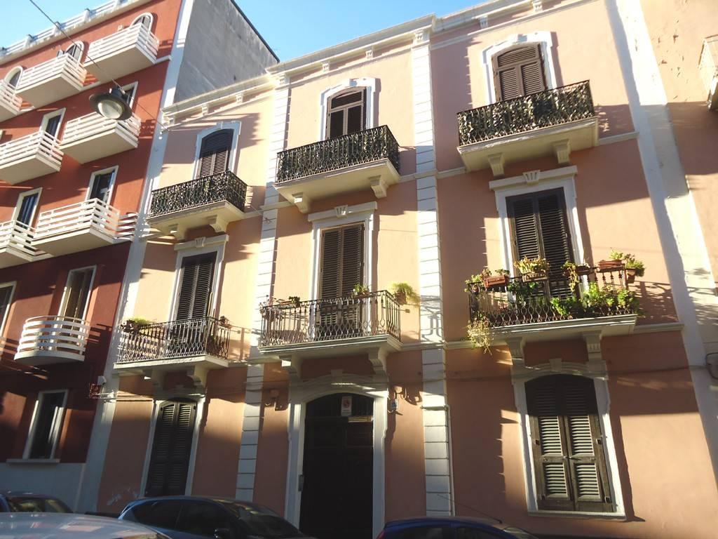 Appartamento in Affitto a Bari Semicentro Est: 3 locali, 90 mq